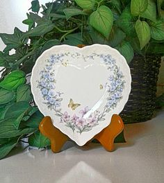 Check out this item in my Etsy shop https://www.etsy.com/listing/532145663/ring-dish-heart-shape-mikasa-japan
