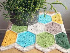 Let's make a hexagon table runner for August's crochet along! | Habitual Homebody