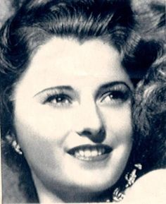 """A Barbara Stanwyck opened on Broadway on this date 90 years ago in the comedy """"Burlesque."""" The show ran for 372 performances. Photo of Stanwyck courtesy for AP. Old Film Stars, Movie Stars, Vintage Hollywood, Classic Hollywood, Barbara Stanwyck Movies, Radio City Music Hall, Great Movies, Actors & Actresses, Beautiful People"""