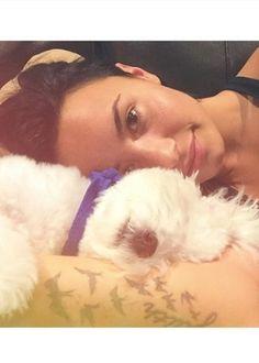 """Demi Lovato revela que seu cachorro morreu em """"trágico acidente"""" #Ator, #Brasil, #Cantora, #Fotos, #Instagram, #Morreu, #Morte http://popzone.tv/demi-lovato-revela-que-seu-cachorro-morreu-em-tragico-acidente/"""