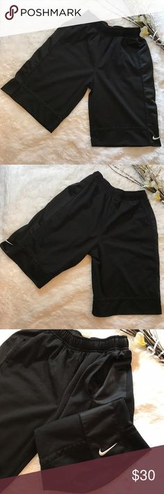 Nike👟Sports Shorts! Sz L Nike👟Sports Shorts! •EUC! •2 waist pockets •Mesh outer fabric •Elastic waist Nike Shorts