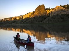Picture of people canoeing the Upper Missouri River in Montana