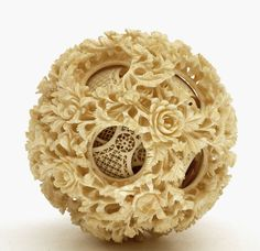 (via Lg Chinese Ox Bone Puzzle Ball w Rose Flower 15 Layer (item detailed views)) Bone Carving, Ivoire, Art Festival, Chinese Art, Chinoiserie, Decorative Items, Horns, Art Decor, Antiques