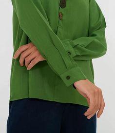 Camisa Polo com Botões Assimétricos Verde