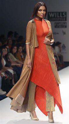 Wills Lifestyle India Fashion Week - AW13 : Kiran Uttam Ghosh (© Cameraworx) via @sunjayjk