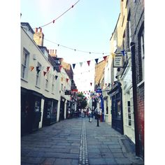 This is the cutest little alley way with a bookstore & coffee shops, etc. in Hamstead.