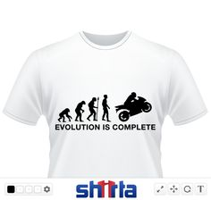"""Die Evolution endet beim Motorradfahrer! """"Evolution is complete!"""" Das ist ein schönes T-Shirt Design für jeden Motorradfahrer."""
