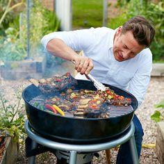 Блюда на гриле - Советы от Джейми   Все любят блюда на гриле! Джейми Оливер поделится советами, как готовить на гриле, чтобы все получалось вкусно!   Он расскажет, как готовить мясо и рыбу, чтобы они были сочными и ароматными!