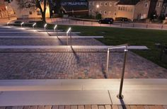 Beleuchtetes Treppengeländer mit in den Handlauf integrierten LED´s