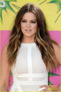 Khloe Kardashian - Kids Choice Awards 2013 Red Carpet