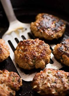Bun Cha - Vietnamese Meatball patties in a black skillet, fresh off the stove Vietnamese Grilled Pork, Vietnamese Recipes, Asian Recipes, Vietnamese Cuisine, Vietnamese Sauce, Nem Nuong, Bun Cha, Pork Meatballs, Vietnamese Beef Meatballs Recipe