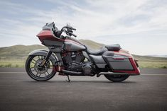 Meet the 2019 Harley-Davidson CVO Street Glide, CVO Limited and CVO Road Glide. These three CVOs are updated with new features and paint options for Harley Davidson Cvo, Harley Davidson Street Glide, Harley Davidson Custom Bike, Harley Davidson Motorcycles, Road Glide For Sale, Road Glide Special, Bobbers, Cafe Racers, Choppers