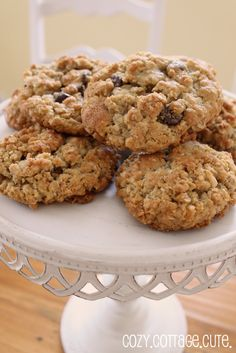 Cozy.Cottage.Cute.: Best Oatmeal Cookies Ever and a Pretty Stand