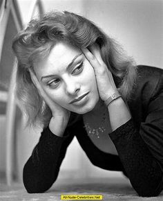 Sophia Loren by Giancolombo Sophia Loren, Pink Tights, Film World, Daniel Day, Day Lewis, Greta, Beauty Contest, Scantily Clad, Marlene Dietrich