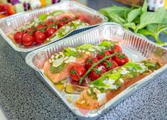 Zalm van de barbecue met pesto en tomaatjes Cobb Bbq, Tapas, My Favorite Food, Favorite Recipes, Bbq Pitmasters, Barbecue Chicken, A Food, Dinner Recipes, Eat