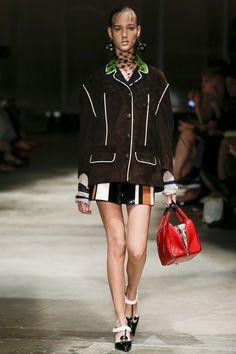 Prada Spring 2016 Ready-to-Wear Fashion Show - Cecilie Moosgaard
