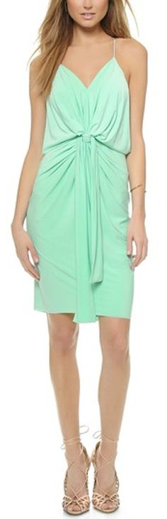 Cute dress with knot detail