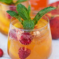 Peach Raspberry Spritzer - Smart Little Cookie Smoothie Packs, Smoothie Drinks, Smoothies, Peach Vodka Drinks, Recipe For 4, Sunday Brunch, Balsamic Vinegar, Food Print, Raspberry