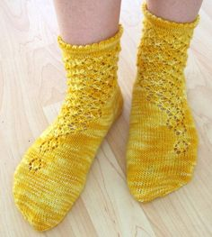 Ravelry: Onerva pattern by Suvi Heikkilä Crochet Socks, Love Crochet, Knitting Socks, Free Knitting, Knit Crochet, Little Cotton Rabbits, Cute Socks, Wool Socks, Yarn Shop