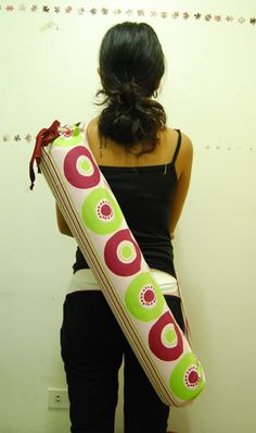 festive yoga mat bag (WITH TUTORIAL) - PURSES, BAGS, WALLETS - DIY, tutorials, sewing, cooking, paper crafts, needlework, knitting, crochet, swaps and so much more on Craftster.org