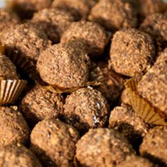 Try this Trufas De Chocolate Negro (Dark Chocolate Truffles) recipe by Chef Annie Sibonney. This recipe is from the show From Spain with Love .