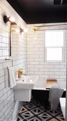Black ceiling, white tiles - love it. Bad Inspiration, Bathroom Inspiration, Black Ceiling, Colored Ceiling, Ceiling Color, Ceiling Lighting, Bathroom Renos, White Bathroom, Bathroom Ideas