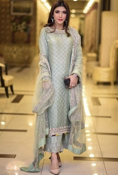 Dresses - Last wedding of 2018 🤪 How many weddings did you attend this WeddingSeason 👗 Hair and makeup 📸… Shadi Dresses, Pakistani Formal Dresses, Pakistani Wedding Outfits, Pakistani Dress Design, Indian Dresses, Indian Outfits, Pakistani Party Wear, Pakistani Designer Suits, Trendy Dresses