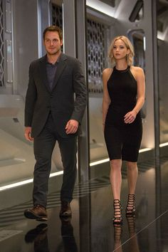 Passengers Jennifer Lawrence and Chris Pratt October 2016 4 Passengers Images: Jennifer Lawrence & Chris Pratt On a Spaceship