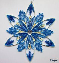 Quilled snowflake by pinterzsu. on - Quilling Paper Crafts Arte Quilling, Paper Quilling Patterns, Origami And Quilling, Quilled Paper Art, Quilling Paper Craft, Paper Crafts, Quiling Paper, Quilling Comb, Quilling Letters