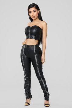 No Filter Faux Leather Set - Black – Fashion Nova Burgundy Jumpsuit, Leder Outfits, Elegantes Outfit, Lederhosen, Fashion Nova Models, Latex Fashion, Skin Tight, Black Faux Leather, Fashion Outfits