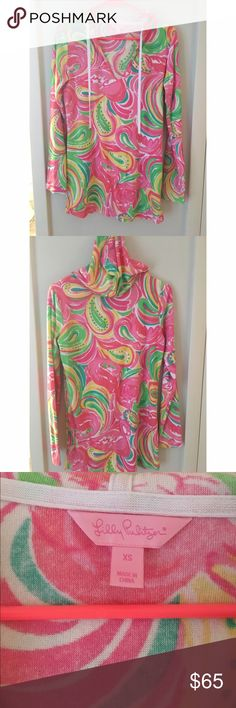 Lilly Pulitzer Megan Hoodie Tunic in All Nighter EUC. Perfect to wear as cover up to the beach and to throw on as it gets a little chilly when the sun goes down! Super cozy Lilly Pulitzer Tops Tunics