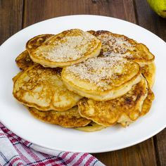 Make any meal a special occasion with these fruity pancakes. Learn how crab apple can add delicious flavor to your cooking. Dessert Simple, Beignets, Fast Acne Treatment, Apple Pancake Recipe, Easy Desserts, Dessert Recipes, Great Recipes, Healthy Recipes, Toddler Meals
