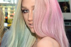Kesha—exhibiting the rose quartz-serenity blend—very, very early to the trend, in By Michael Buckner/Getty Images. Rose Quartz Serenity, Color Of The Year, Pantone Color, Vanity Fair, Cool Style, Hair Makeup, Long Hair Styles, Image, Beauty