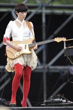 原田知世 from pupa Live Bass, Punk Rock Girls, Women Be Like, Women Of Rock, Guitar Girl, Female Guitarist, Music Images, Unique Hairstyles, Music Artists