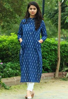 Kurtis With Pants, Kurti Patterns, Sewing Patterns, Pakistani Salwar Kameez, Churidar, Boho Wedding Dress, Green Dress, Beautiful Dresses, Indigo