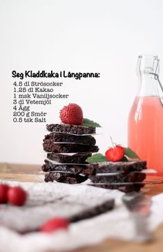 Chocolaty Chocolate Sheet Cake - Seg Kladdkaka i Långpanna Healthy Recepies, Good Food, Yummy Food, Fika, Summer Recipes, Nom Nom, Cake Recipes, Sweet Tooth, Brunch
