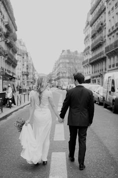 Love and Paris go hand in hand   Paris Elopement from Sarah Kate Photography  Read more - http://www.stylemepretty.com/destination-weddings/2013/11/07/paris-elopement-from-sarah-kate-photography/