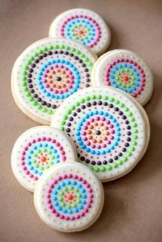 Dot royal icing sugar cookie decorated (link does not lead to a tutorial and/or original source) by elena