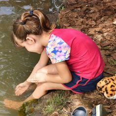 É muito bom ver crianças podendo ter um contato mais próximo com a natureza em um lugar seguro e estruturado em meio a uma grande cidade. EmParque Areião - Goiânia - Goiás - Brasil -City Tour com @araraunaturismoreceptivo - ---- - ---- - #goiania #goiânia #goianiawalk #goianiacity #AraraunaReceptivo #ReceptivoEmGoiás #Travel #BoraViajar #Fun #FicaDica #citytourgoiania #conhecagoiania #blogueirorbbv #azulmagazine #MTur #ViajePeloBrasil #DicasdeDestino #PartiuBrasil #decolar #VoeGOL #travel…