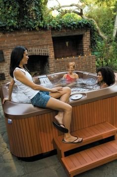 die besten 25 jacuzzi im freien ideen auf pinterest jacuzzi whirlpool im freien und hot tub. Black Bedroom Furniture Sets. Home Design Ideas