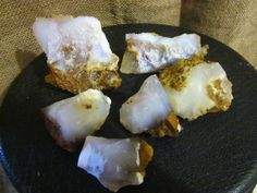 Magnesite crystal helps you to relax and release stress or your need to control your surroundings.