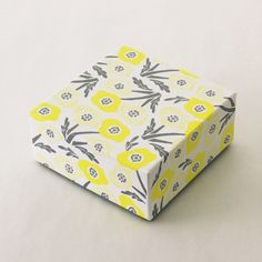 spring has come. Flower Packaging, Paper Packaging, Beauty Packaging, Box Packaging, Packaging Design, Book Design, Layout Design, Print Design, Silk Image