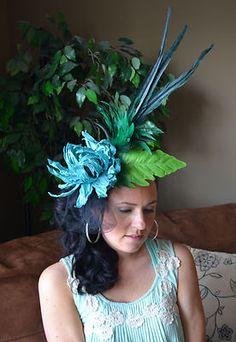 love this! fascinator derby hat!