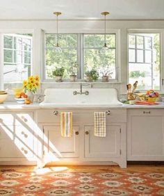 Uplifting Kitchen Remodeling Choosing Your New Kitchen Cabinets Ideas. Delightful Kitchen Remodeling Choosing Your New Kitchen Cabinets Ideas. Kitchen Ikea, Farmhouse Kitchen Cabinets, Modern Farmhouse Kitchens, Kitchen Cabinet Design, New Kitchen, Farmhouse Decor, Farmhouse Style, Farmhouse Sinks, Farmhouse Windows
