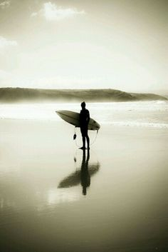 ...sea, reflection, horizon.