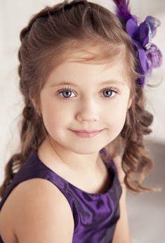 Beautiful little girl. Pretty Kids, Beautiful Little Girls, Cute Little Girls, Cute Baby Girl, Beautiful Children, Beautiful Eyes, Beautiful Babies, Cute Kids, Cute Babies