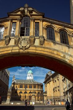 Bridge of Sighs with Sheldonian Theatre in background, Oxford