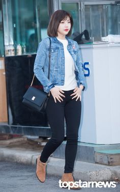 Park Soo-young (박수영) also known mononymously as Joy (조이) of Red Velvet (레드벨벳). Kpop Fashion, Asian Fashion, Womens Fashion, Airport Fashion, Seulgi, Girl Outfits, Casual Outfits, Fashion Outfits, Athleisure