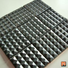 9 x Czarne srebrzyste piramidki - kafelki - DekoryNati - Kafelki