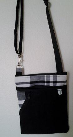 """Sacoche pour homme avec bandoulière réglable. Plusieurs poches Madras Bag for man Modele """"Lucien - Madras Noir et blanc"""""""